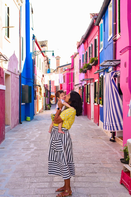 The Ultimate Mom Capsule Wardrobe for Summer Travel featured by top US family travel blog, Local Passport Family