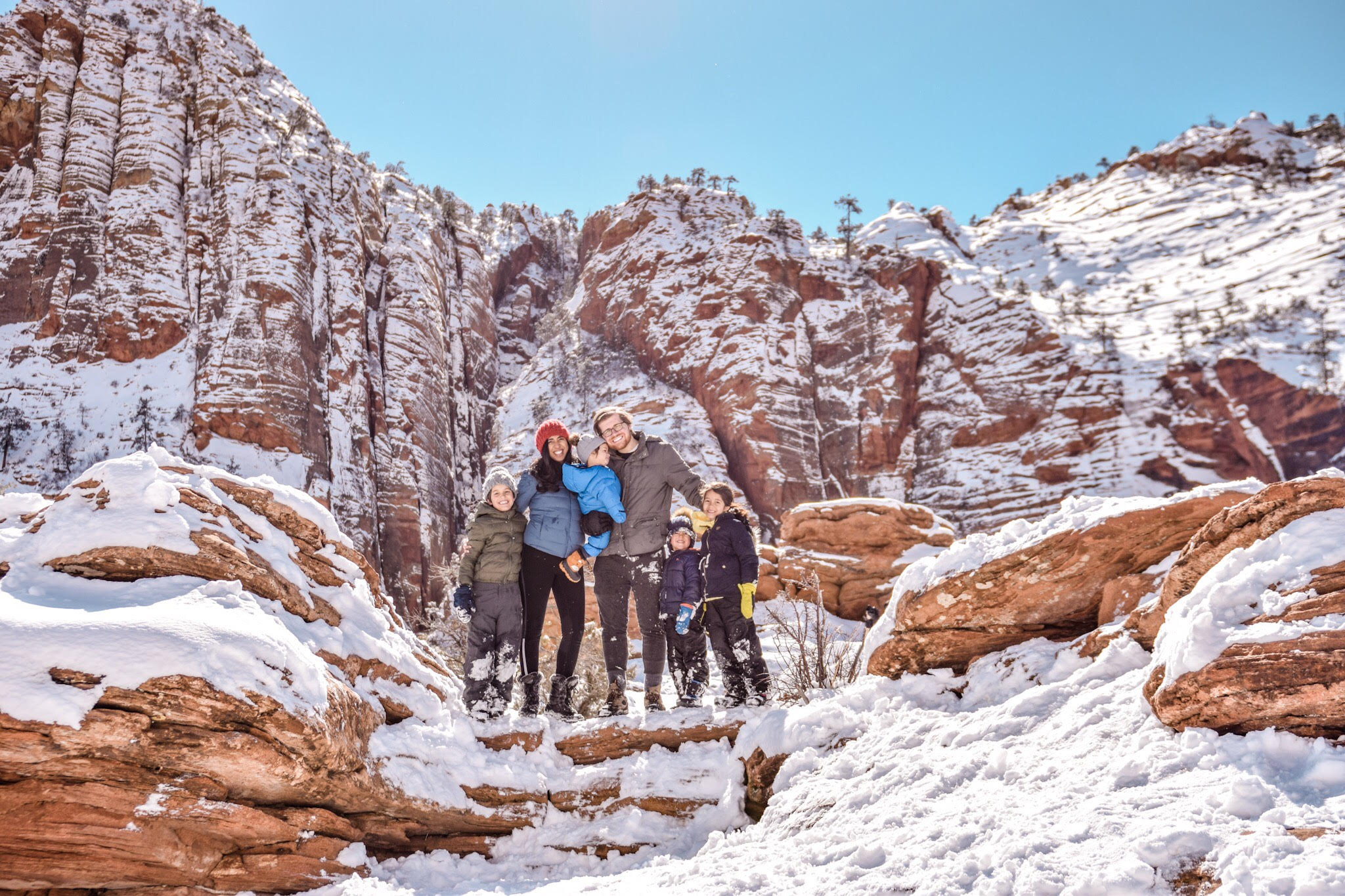 zion national park winter canyon overlook hike